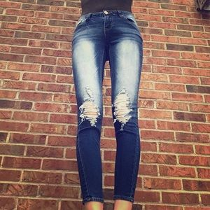 Sophie mid rise rampage jeans